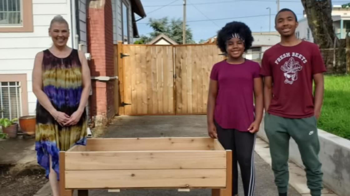 NE Portland siblings building planter boxes, giving back to community