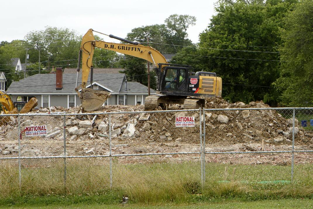 Old Highland Park Grammar School comes down to make way for Montessori